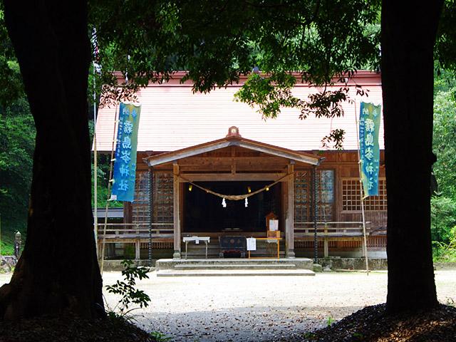 雾岛岑神社
