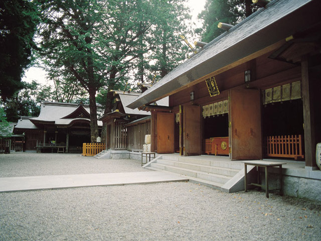 Amano-iwato shrine